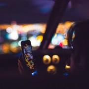 mobile-1209058_1280